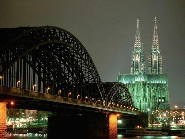 i znów most