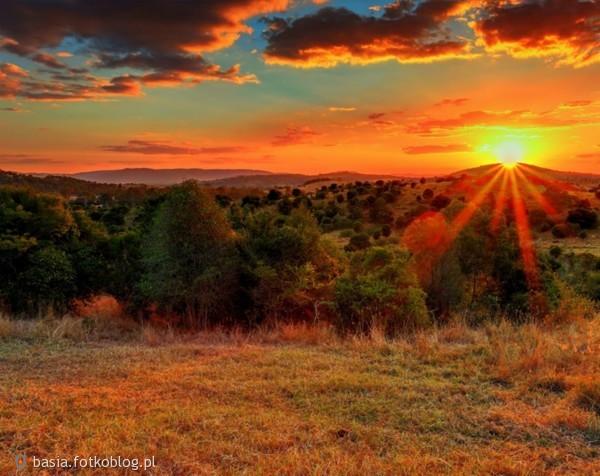 Jesień to czas przemijającego i spadającego uroku letnich dni. ...