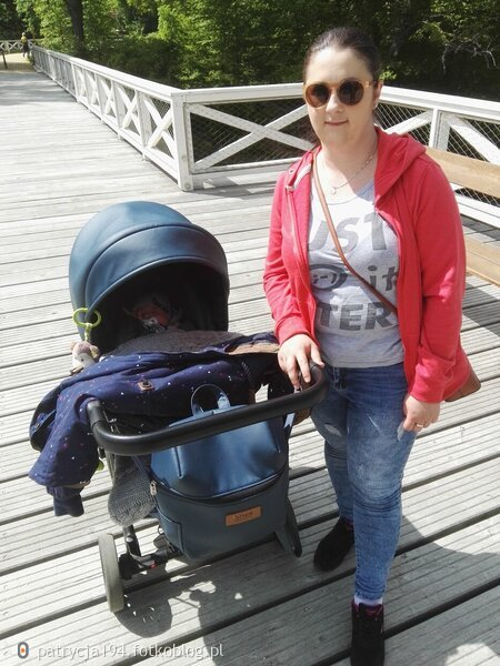 Spacerek  z siostrzeńcem  :) :) :)
