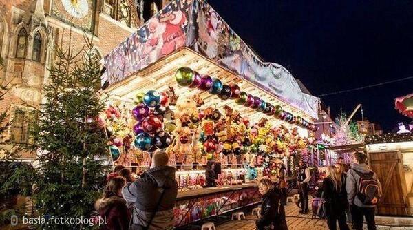 ..na jarmarku bożonarodzeniowym...już niedlugo święta...