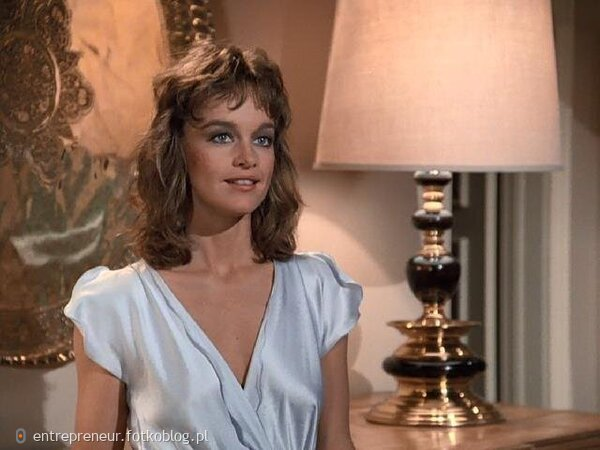 Pamela Sue Martin as Fallon 2
